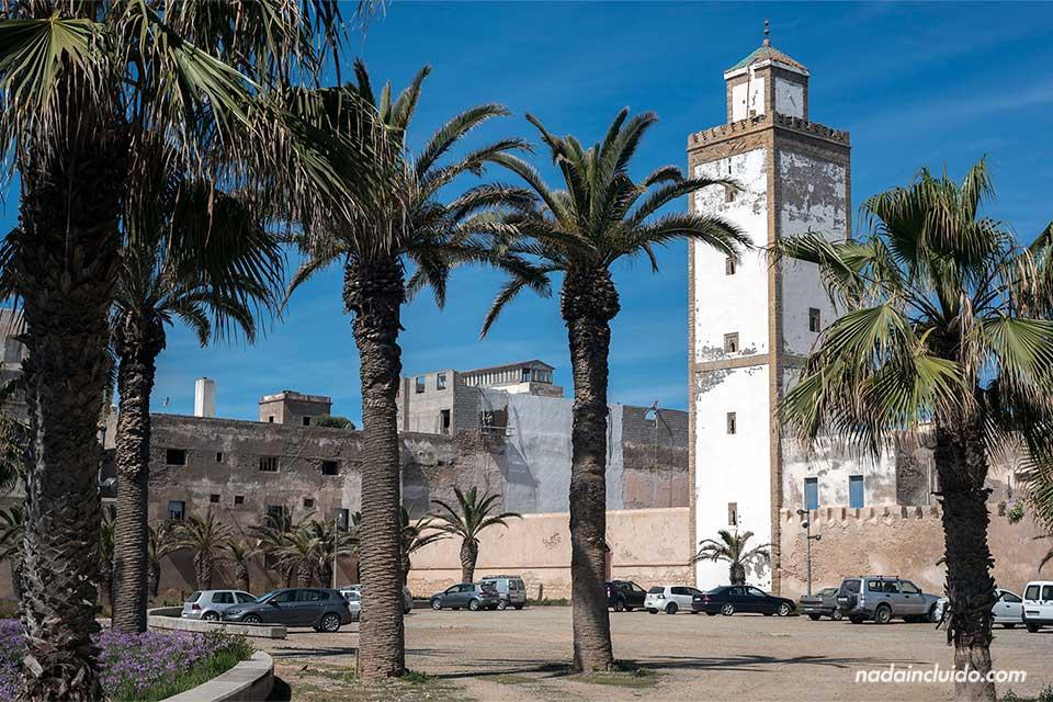 Torre de la mezquita Ben Youssef en Essaouira (Marruecos)