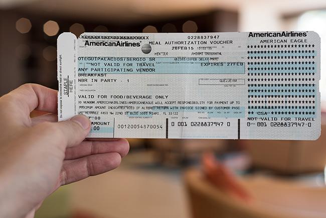 Voucher de desayuno de American Airlines