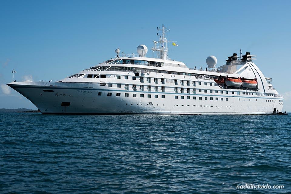 Crucero en el parque nacional marino golfo de Chiriquí (Panamá)