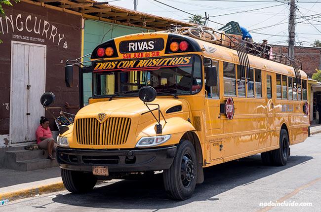 Autobús de la ruta San Juan del Sur - Rivas, en Nicaragua