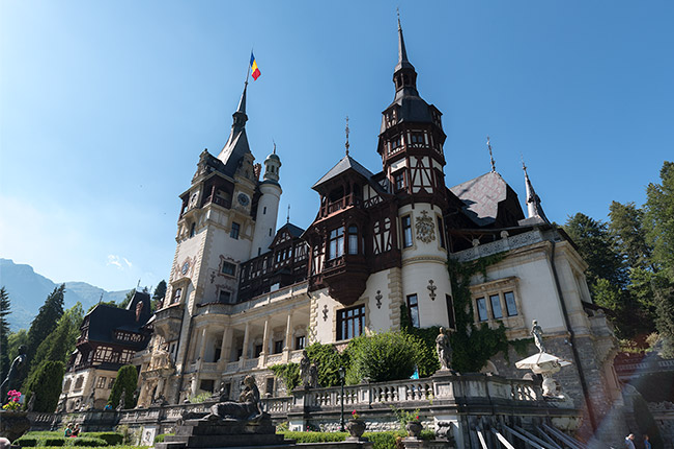 Fachada del Castillo de Peles (Sinaia, Rumanía)