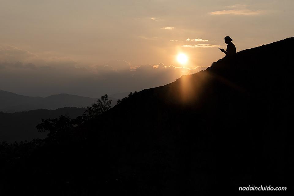 Sol de atardecer en el cañón de Pai (Tailandia)