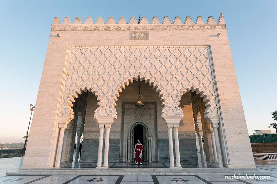 Entrada del mausoleo de Mohammed V en Rabat (Marruecos)