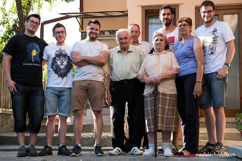 Con Leo y su familia