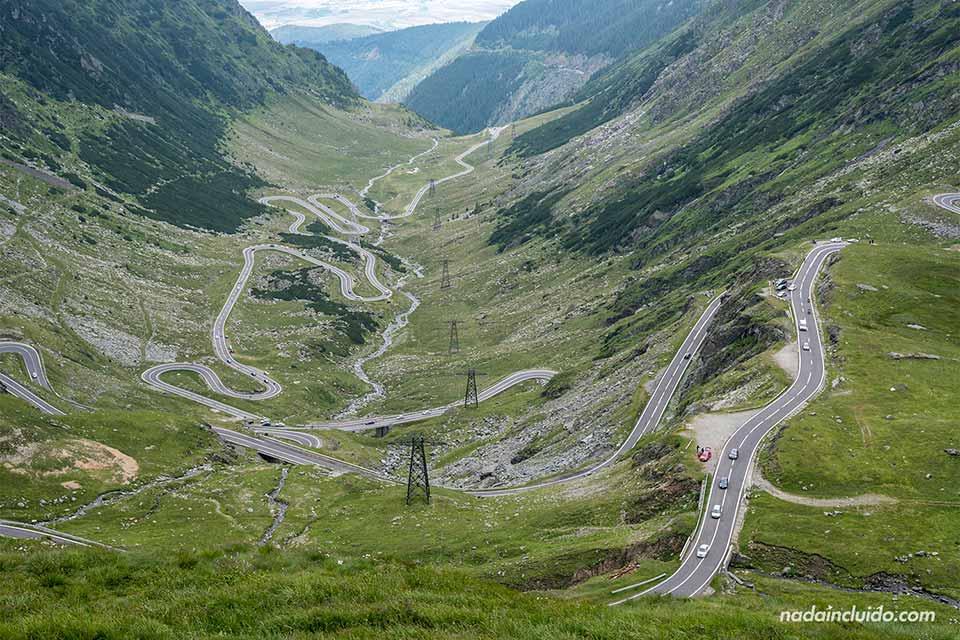 Vistas de la carretera Transfagarasan desde lo alto (Rumanía)