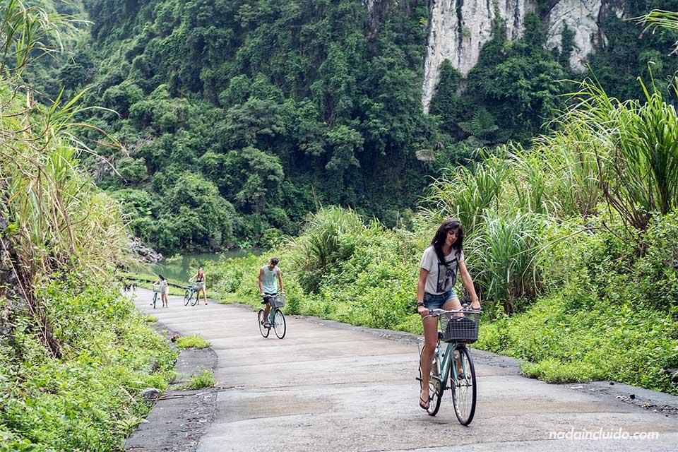 Recorrido en bicicletas por Viet Hai, una aldea de la Bahía de Lan Ha (Vietnam)