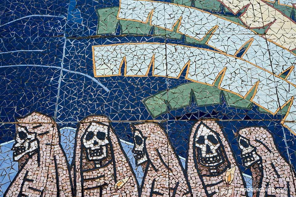 Mosaico sobre la Carreta Nagua en el Museo de Tradiciones y Leyendas de León (Nicaragua)