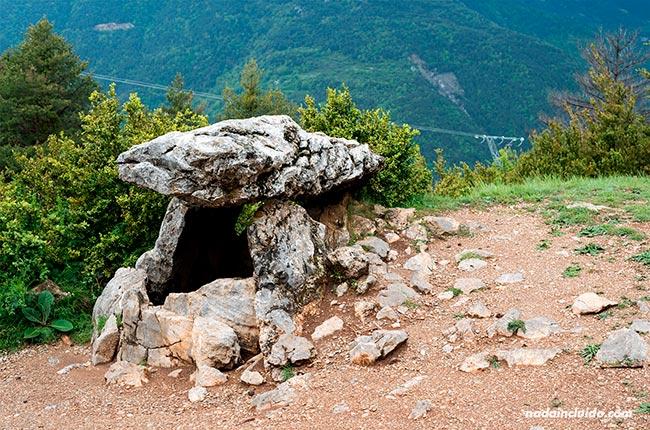 Dolmen de Tella (Sobrarbe, Aragón)