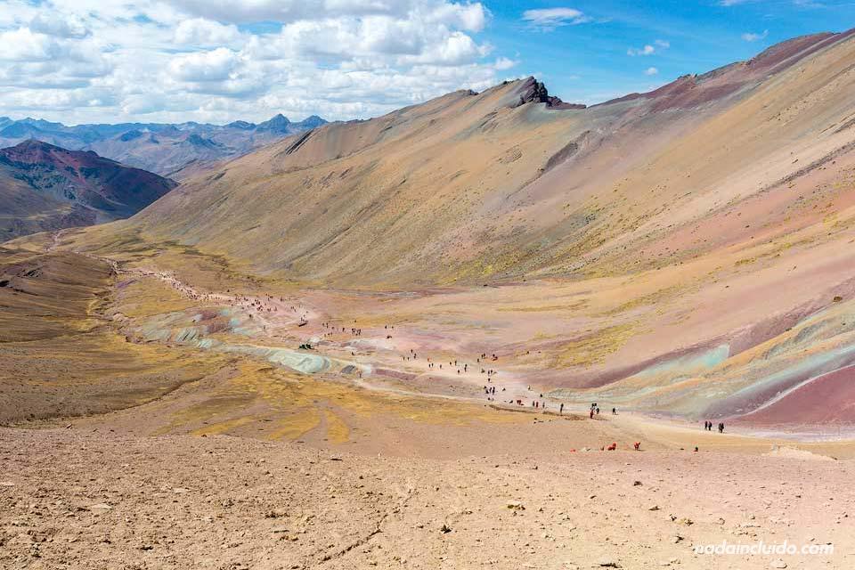 Sendero a Vinicunca, la montaña de los 7 colores de Perú