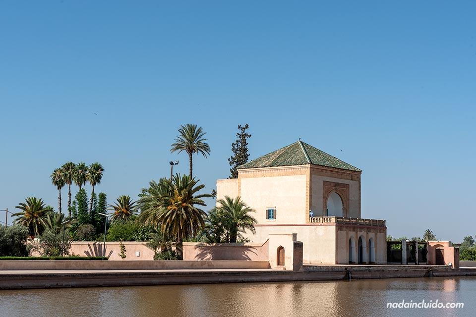 Pabellón en los jardines de la Menara de Marrakech (Marruecos)