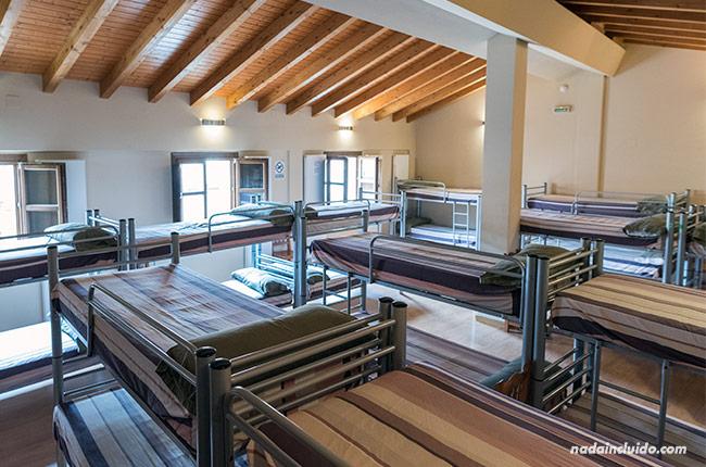 Habitación del albergue de Santo Domingo de la Calzada (Rioja, España)