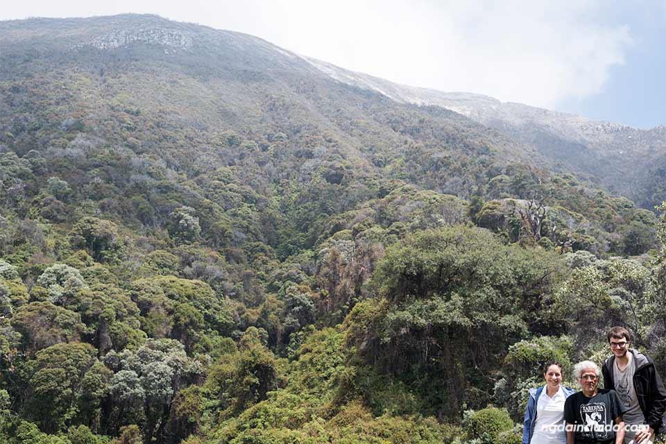 Vista del cráter del Volcán Turrialba (Costa Rica)