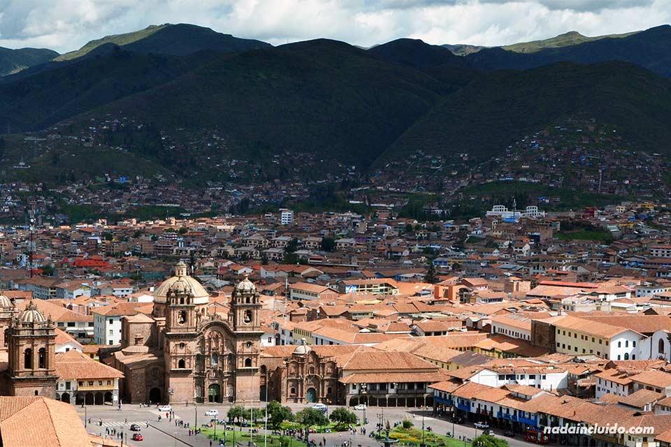 Vista de la plaza de Armas de Cuzco desde lo alto (Perú)
