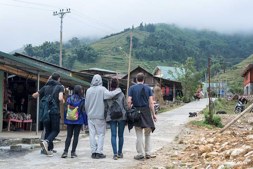 Paseando por las calles de Lao Chai, aldea cercana a Sapa (Vietnam)