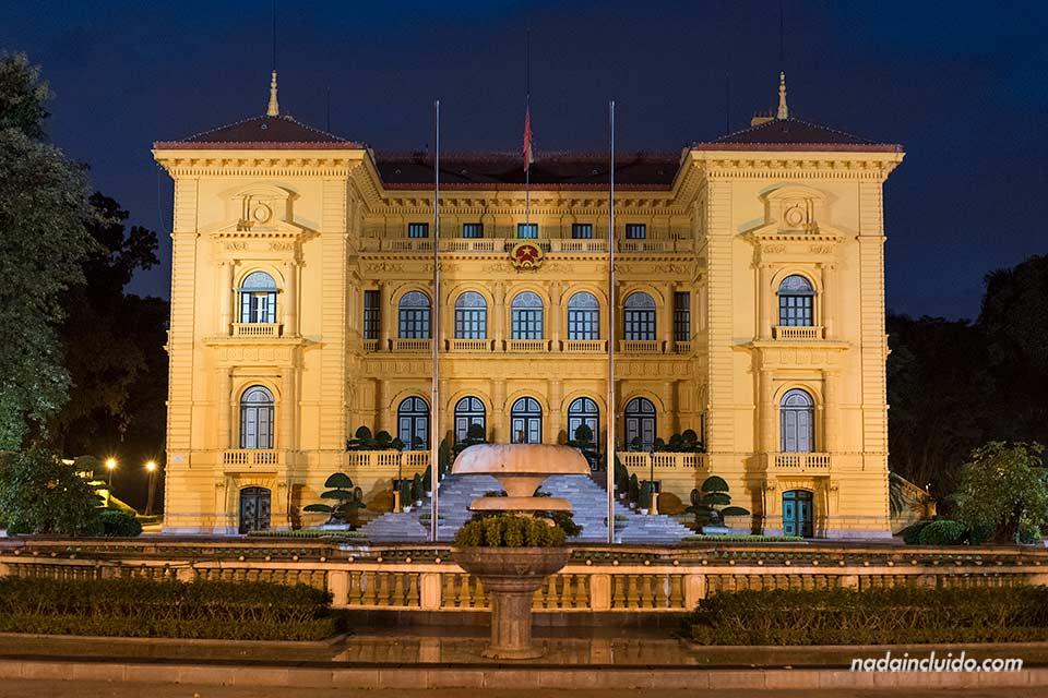 Fachada del Palacio Presidencial en Hanoi (Vietnam)