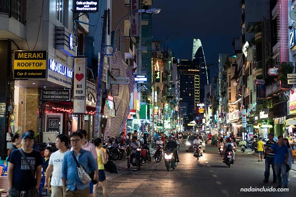 Vui Vien Walking Street de noche, Ho Chi Minh (Vietnam)