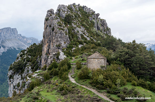 Ermita de San Juan y San Pablo en Tella (Sobrarbe, Aragón)