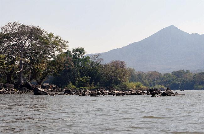 Vistas del Volcán Mombacho desde las Isletas de Granada (Nicaragua)
