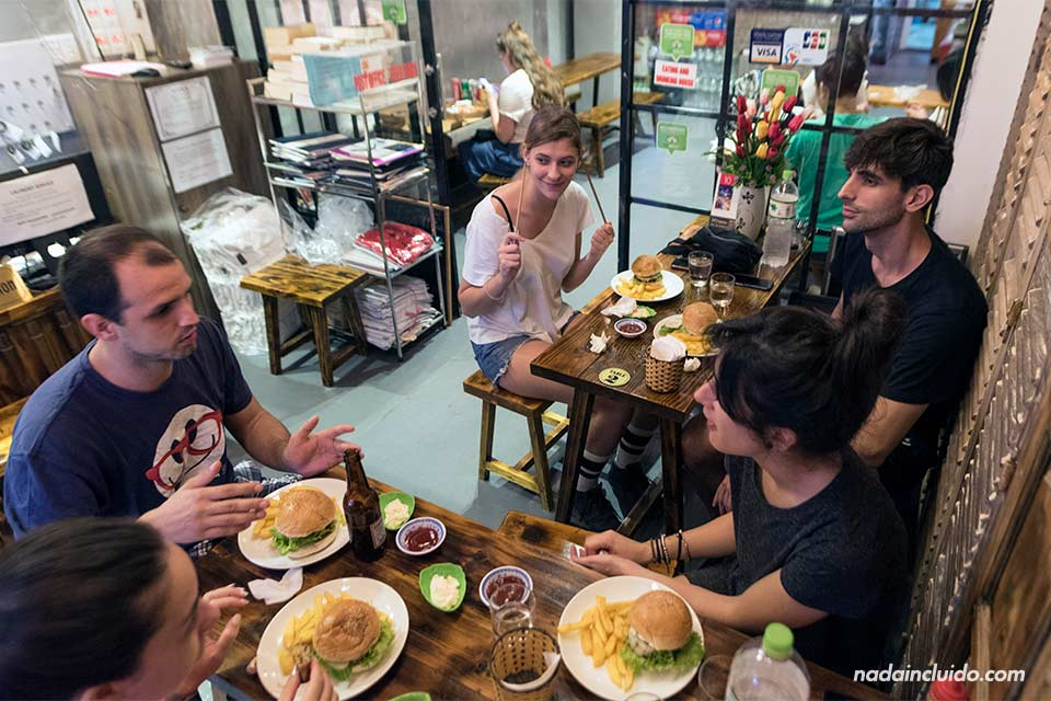 Restaurante del Luxury Backpackers Hotel (Hanoi, Vietnam)