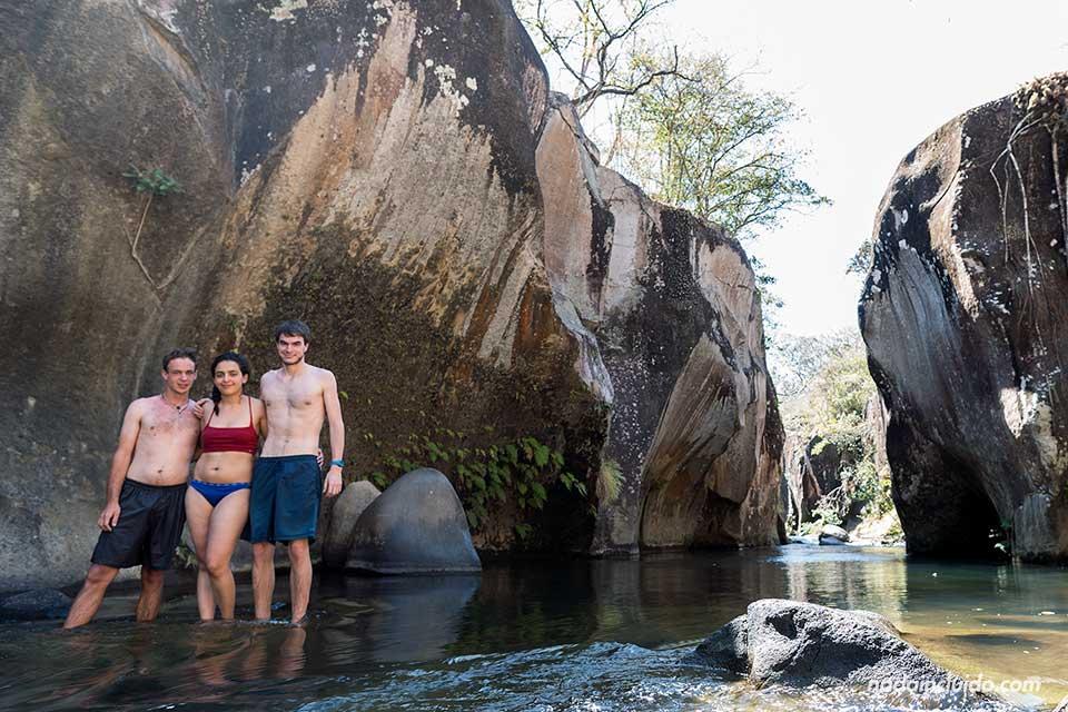Con un suizo y una canadiense en El Cañón del Río Colorado en la región de Guanacaste (Costa Rica)