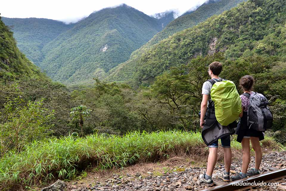 Hidroeléctrica-Aguas calientes,camino alternativo al Machu Picchu
