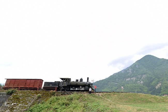 Tren decorativo en Jablanica (Bosnia)