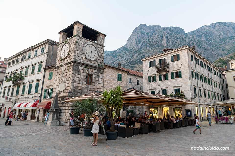 Fachada del palacio de Gubronja en Kotor (Montenegro)