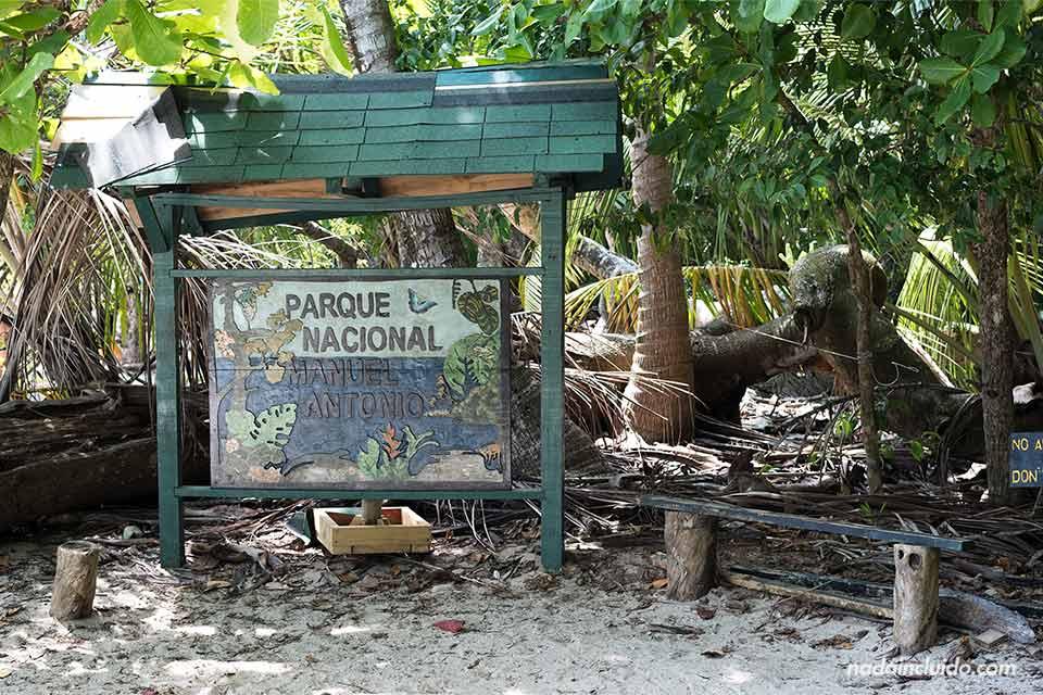 Cartel del parque nacional Manuel Antonio (Costa Rica)