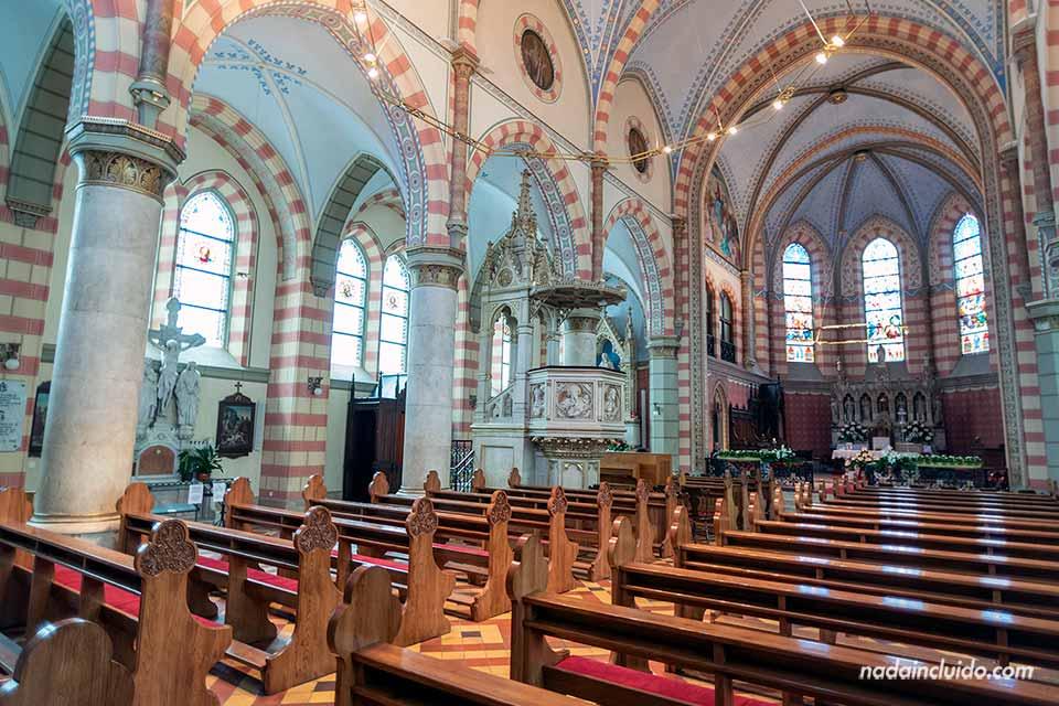 Fachada de la Catedral del Sagrado Corazón, Sarajevo (Bosnia)