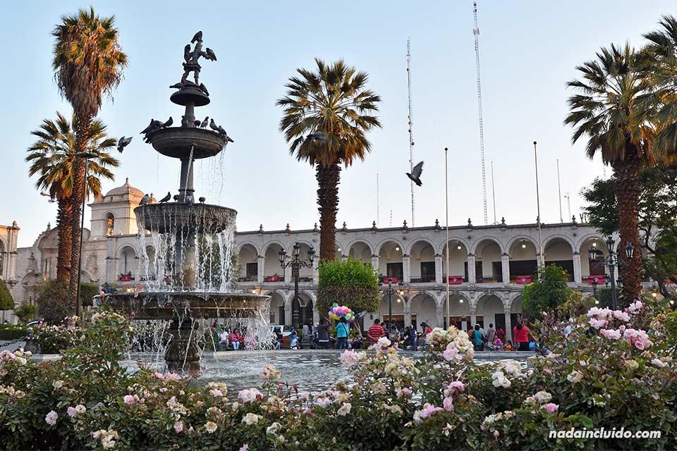 Plaza de las armas de Arequipa (Perú)