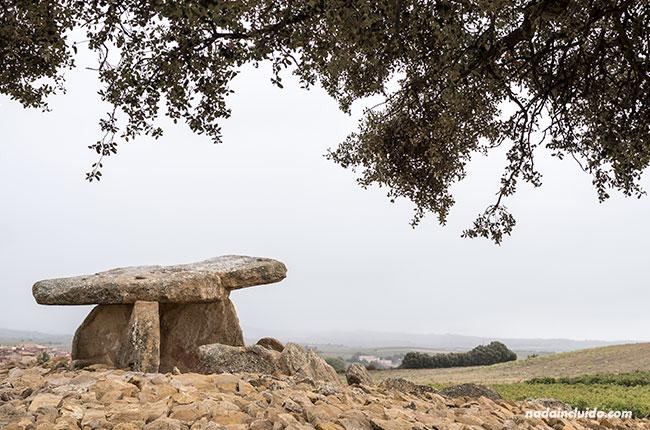 Dolmen de la Hechicera en Rioja Alavesa (País Vasco, España)