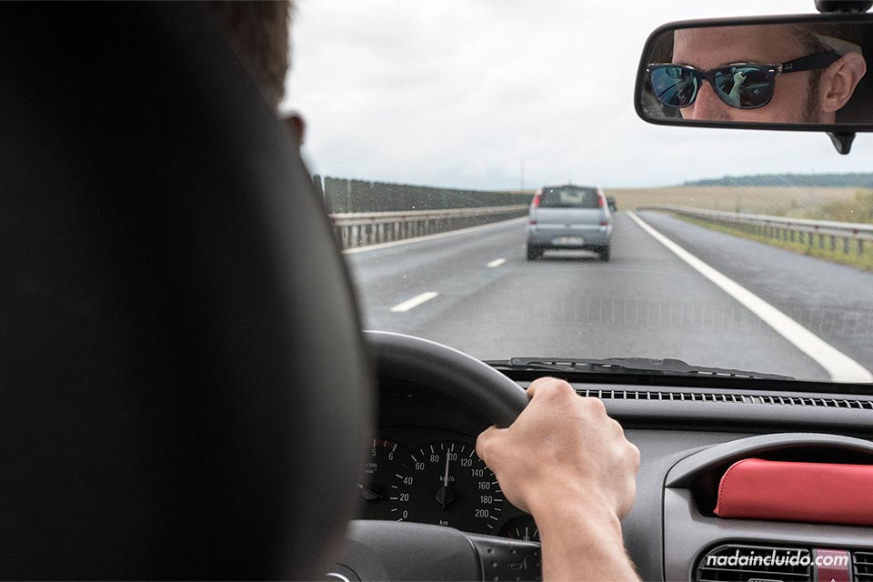 Recorriendo Rumanía en un coche alquilado