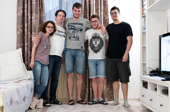 Con nuestros anfitriones de Couchsurfing en Suceava (Rumanía)