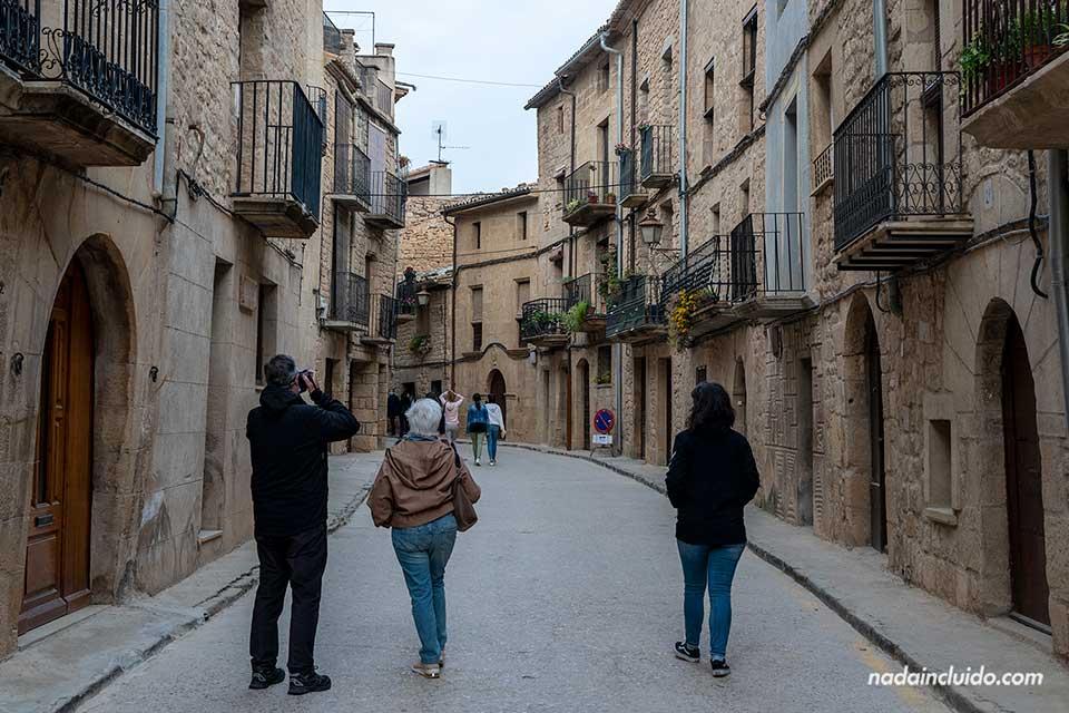Calle Mayor de Calaceite (Matarraña, Aragón)