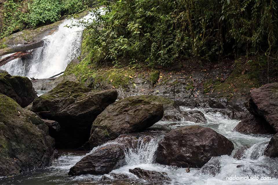 Cascada Naguala, Bahía Drake (Costa Rica)