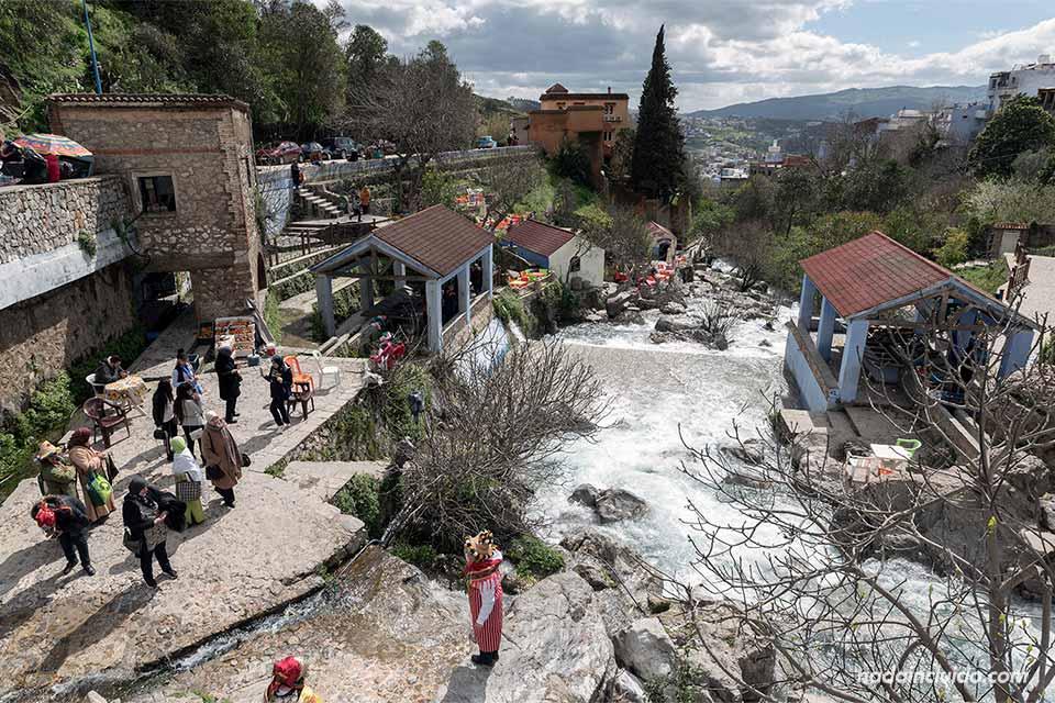 Río a su paso por Chefchaouen (Marruecos)