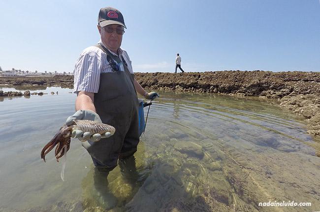 Pescando un choclo en los corrales de Chipiona (Cádiz)