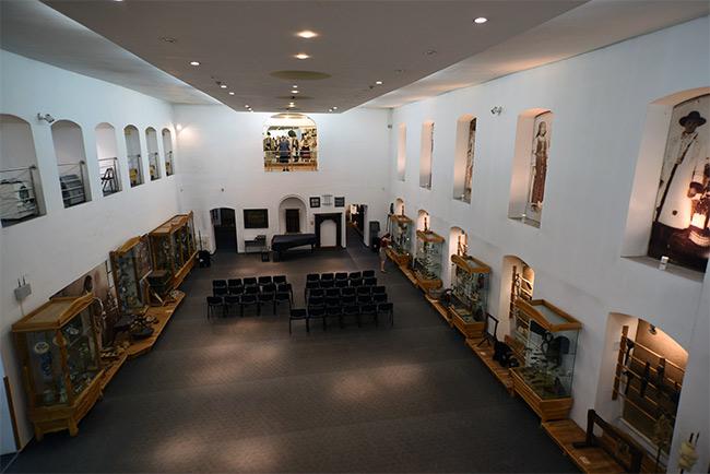 Sala central del Museo Etnográfico de Cluj-Napoca (Rumanía)