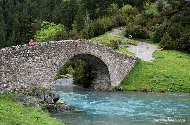 Puente en el valle de Bujaruelo (Sobrarbe, Aragón)