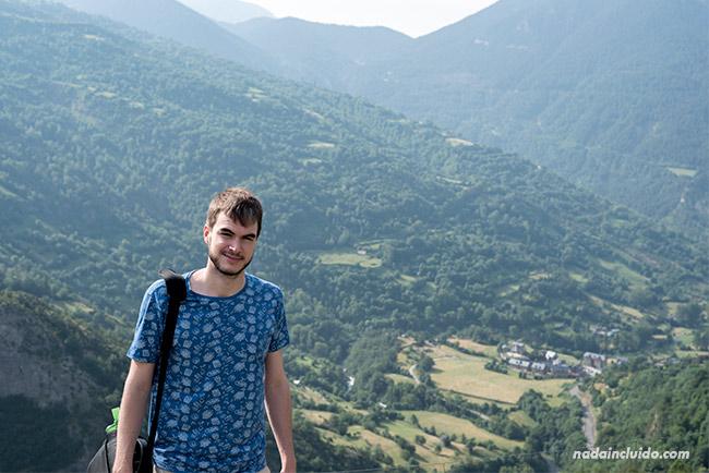 Vista del Valle de Chistau (Bal de Chistau) desde un mirador en Gistaín (Sobrarbe, Aragón)