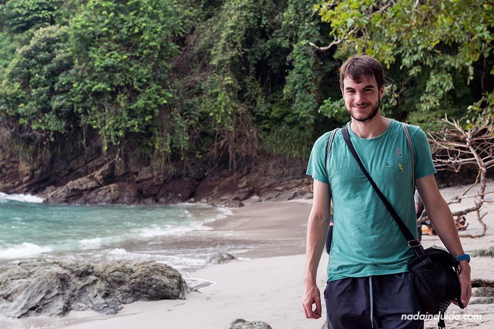 En la cala de la playa del parque nacional Manuel Antonio (Costa Rica)
