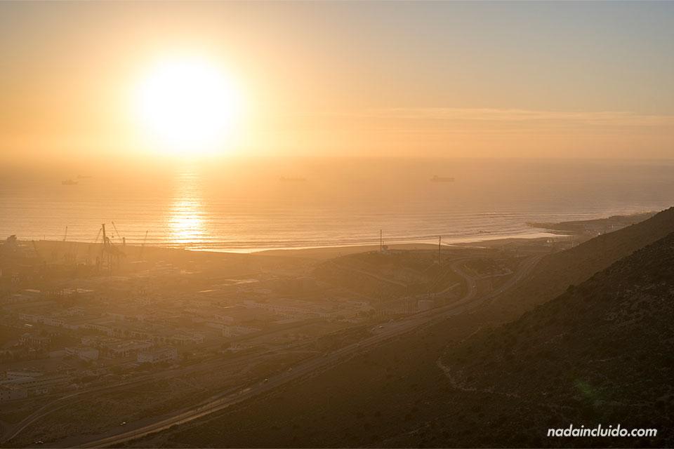 Atardecer en el mar visto desde la Antigua Kasbah de Agadir (Marruecos)