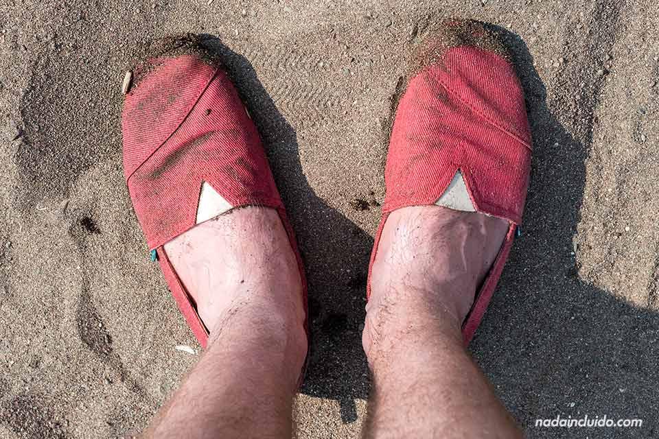 Zapatillas Paez en la Playa de Jacó (Costa Rica)