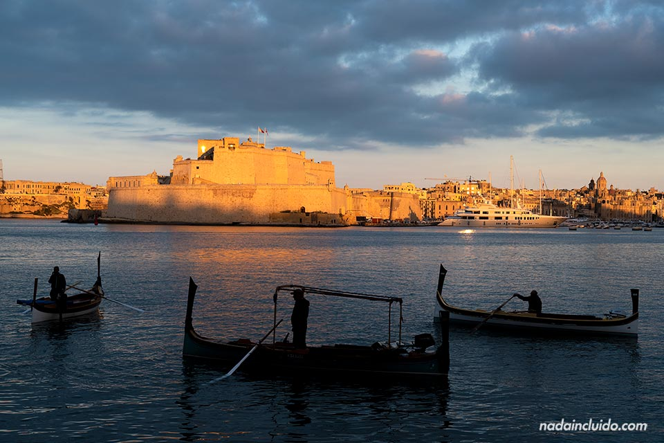 Góndolas en el puerto de La Valeta (Malta)