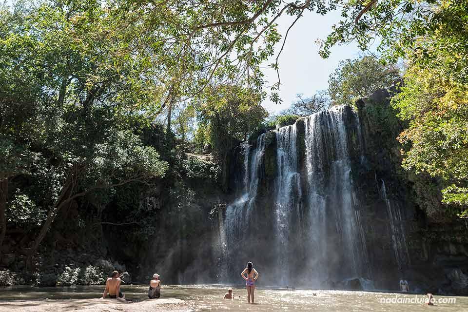 Las cataratas de Llanos de Cortés en Guanacaste (Costa Rica)