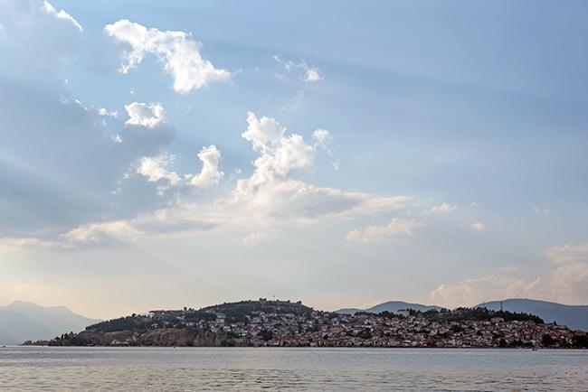 Vista de Ohrid desde lejos (Macedonia)