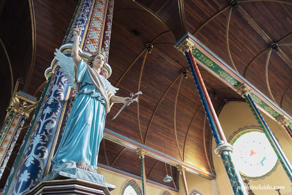 Estatua en la Iglesia de la Merced, San José (Costa Rica)