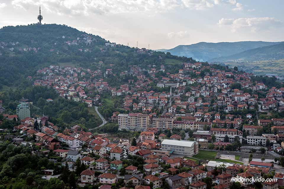 Vista de Sarajevo desde lo alto de la Avast Twist Tower (Bosnia)