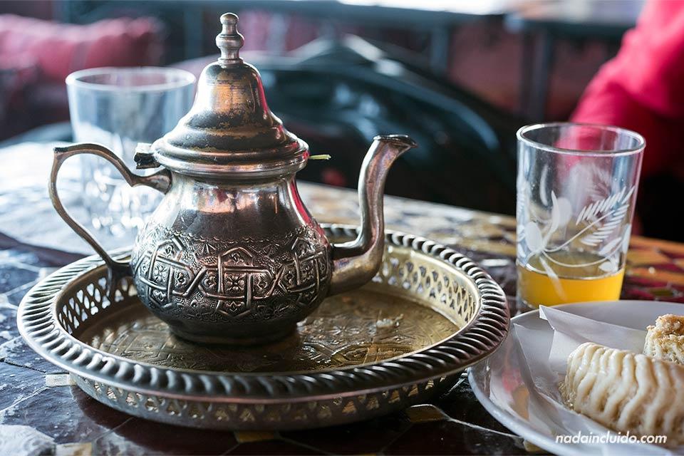 Tomando té en Marruecos (Rabat)