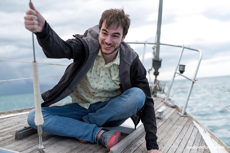 En un barco en movimiento en Vilanova i la Geltrú